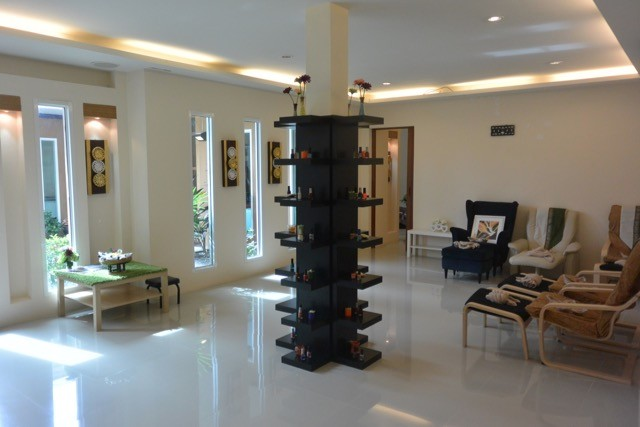 Hotels, Restaurants and Resorts  for sale in Hua Hin and Thailand